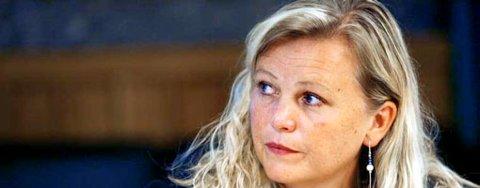 Byråd Lisbeth Iversen (KrF) under presentasjonen av bybudsjettet i Bergen bystyre (18.09.2006).