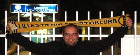 Lars-Jørgen Kihlberg Olsen (Rælingen) feirer cupseieren fra Pristina, Kosovo.