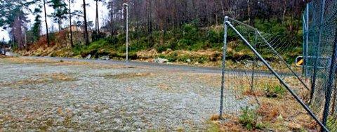 Her i skogen bak Åsane senter debuterte landets mest etterlyste serieforbryter. Høsten/vinteren 1976 ble fire gutter utsatt for et overgrep. En av dem er død, men politiet vil ha kontakt med de tre andre.