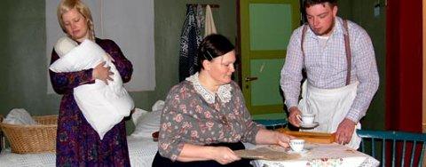 Mari Lunder (til venstre) og Øyvind Sogn har sentrale roller i «Den store barnedåpen». Her sammen med Marthe Ohren, som spiller «Dobbelt-Petra».