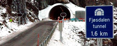 Tunnelen i Fjøsdalen er nå åpnet for almen ferdsel. Dermed er en strekning på E10 vestover i Lofoten tryggere.