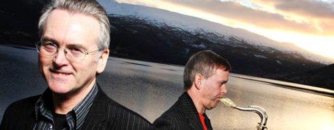 Gunnar Staalesen ble akkopagnert av saksofonist Jan Kåre Hystad under arrangementet på Voss Jazz fredag (14.03.2008).