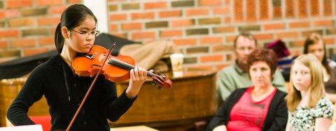 Shelly Hong spilte både fiolin og piano.