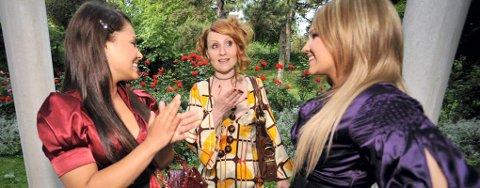 TREKLØVER: Stjerneartisten Aleksandra Kovac (i midten) er storfan av både Mira Craig og Maria Haukaas Storeng. ¿ Jeg skal selvsagt stemme på Maria i finalen, lover tromsøvennen.