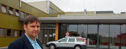 Vestvågøy-ordfører Jonny Finstad vil sammen med Flakstad-kollega Stein Iversen ha større Lofot-engasjement for sykehuset på Gravdal.