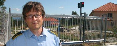 Fengselsleder Harald Åsaune håper å bruke andre etasje i bygningen til høyre til barn og unge som må holdes innesperret. Bjørgvin fengsel holder til i bygningene, som tidligere var en del av Vestlandsheimen.