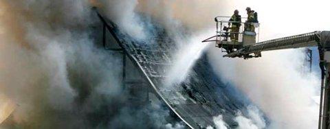 Brannen i Lehmkuhlboden blusset opp uten at sprinkleranlegget ble utløst (13.09.2008).