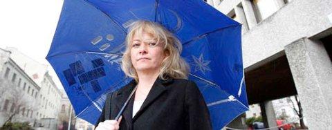 Lillian Blom (SV) er langt fra imponert over klimatiltakene byråd Lisbeth Iversen presenterer. - Det er mye man kan se på, men vi finner ingen penger i budsjettet, sier Blom.
