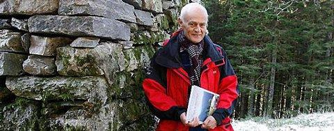 Dag Sletten har skrevet om det glemte samfunnet i Våkendalen.