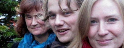 (F.v) Oddny Miljeteig, Simen Willgohs og Tina Åsgård i Bergen SV (11.12.2008).