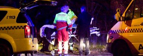 En 18 år gammel mann ble stukket med kniv i magen, og ambulanse ble tilkalt. En annen gutt skal ha blitt stukket i øyet med en paraply i forbindelse med bråk i Fagerbakken på Eidsvågneset. Her fra snuplassen på Lønborg (01.01.2009).