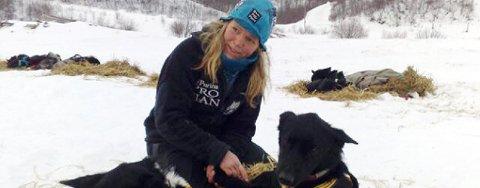 Nina Skramstad på sjekkpunktet i Neiden.
