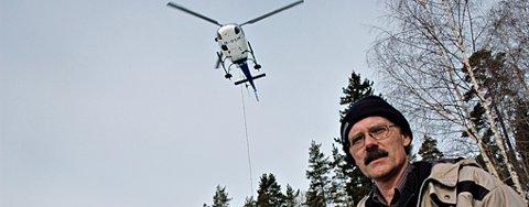 STORE MENGDER: Rundt 65 tonn stein ble flyttet med helikopter fra Enebakk til Spydberg for å redde krepsen. Tron Kallum har stor tro på prosjektet.