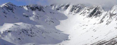 Lofoten Freeride går lørdag på østsiden av Lyngværsfjellet i Vågan.