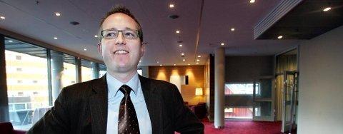 Kunnskapsminister Bård Vegar Solhjell har med seg arbeidsplasser i kofferten når han besøker Tromsø mandag.