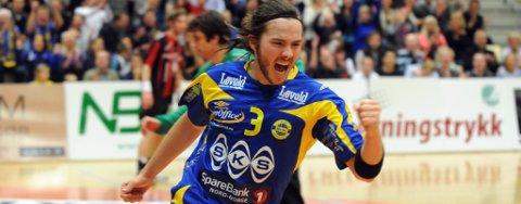 Kasper Ottesen scoret fem mål mot Arendal og sørget med det for å få inn 14.000 kroner på BHK-kontoen.