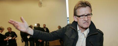 IDEOLOGISK STRID: Mads Gilbert og andre leger i Tromsø  vil ikke åpne universitetssykehuset for kolleger som er formelt ansatt av Forsvaret og behandler soldater i krig.