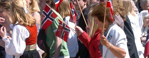 Det blir mange flotte folkedrakter å se på nasjonaldagen også i år. Illustrasjonsfoto.