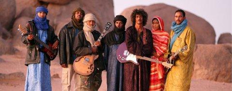 Tinariwen inntar Riddu-sletta i sommer med ørkenblues fra det sørlige Sahara.