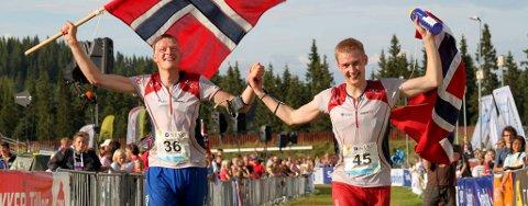 Anders Nordberg (tv) og Olav Lundanes jublet for storeslem for Halden og Norge i O-VM. Foto: Atle Wester Larsen