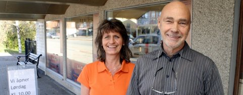 har klokkertro: Eier Thor Foseid og daglig leder Gunn K. Berget ved Low Carb Selection på Flisa åpner den første rene lavkarbobutikken i Norge i helgen.