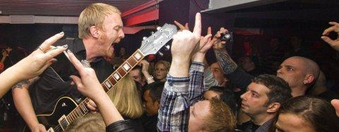 TRØKK: Frontfigur Ted Winters ga alt på scenen og trollbandt publikum på Rock 51.