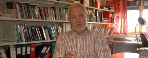 Tidligere konsernsjef i Statoil, Arve Johnsen mener Frode Mellemvik ved Nordområdesenteret og professor Lev Voronkov ved MGIMO-universitetets avdeling for europeisk integrasjon som to som kunne lede arbeidet med å opprette sonen.