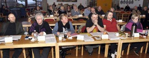 Etter forslag fra Karen Hagland Amundsen, SV, Ap og FrP er rådmann og teknisk sjef i Rana kommune frikjent for brudd på kommunens etiske regelverk. Her Ap-benken. Foto: Arne Forbord