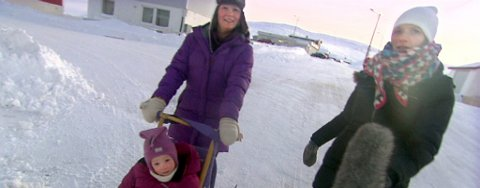 PRIVAT: Journalist Brita Garden hang seg på da Linda Persen hentet sin yngste i barnehagen på spark.