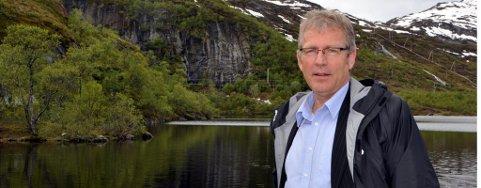Ordfører Hugo Bjørnstad fikk kommunestyret med seg på å vedta veien til slalombakken.