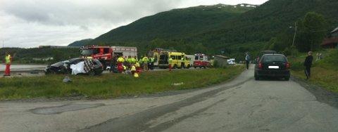 ALVORLIG BILULYKKE: Mandag ettermiddag skjedde det en alvorlig bilulykke på E8 i Ramfjord.