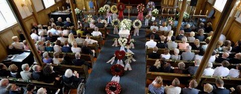 Hanne Løvlie, som ble drept av bomben i Oslo den 22. juli, ble fredag gravlagt i Tyristrand kirke.