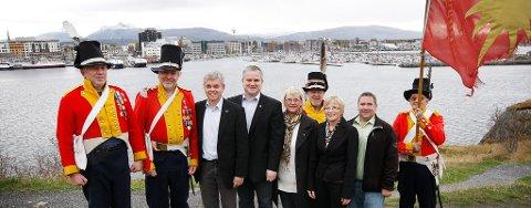 De fem partiene hadde valgt Nyholmens Skandse som sted for offentliggjøringen av sin samarbeidsavtale de neste fire årene.