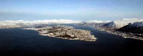 Tromsø sett fra luften. Men også fantastisk om man ankommer sjøveien, mener en av verdens ledende guidebøker.