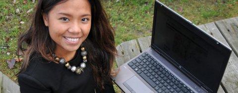 Mook Denice Hagen (16) åpnet nettbutikken Pyntdeg.no i august, nå har nettbutikken over 3600 «likes» på Facebook.