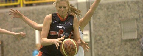 Julie Helgesen ble HBBKs toppscorer med 12 poeng mot Vålerenga. Men lagvenninnene slet med å