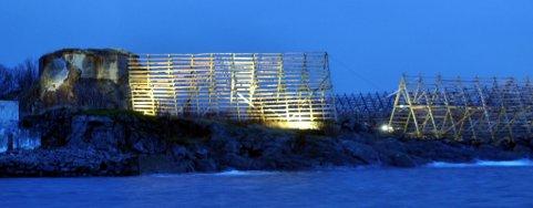 Det er satt lys på bunkersen på Kuba og nærliggende fiskehjeller.