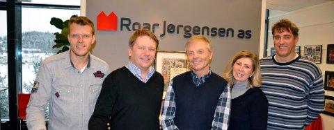 Nye og tidligere eier i Roar Jørgensen AS: Tore Bratvold, John Dæhlie, Roar Jørgensen, Guri S. Thomassen og Roy Korneliussen.