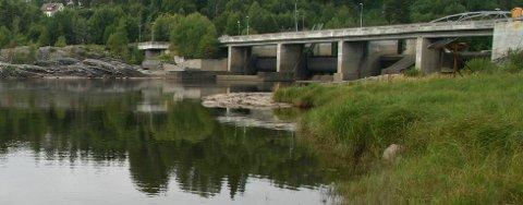 Ulykken skjedde ved Døvik kraftstasjon tirsdag morgen.