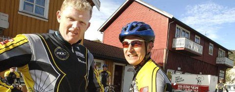 HENSYN: ? Andre trafikanter tar ikke nok hensyn til syklister, sier leder av Mosjøen og Omegn Cycleklubb Jens Berget (t.v.). Han  får støtte av Lars Berge. (Foto: Per Vikan)