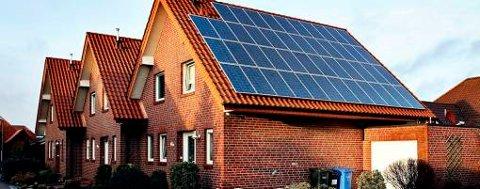 Solenergiselskapet REC har satset stort på solcellepanel i Tyskland. Flere tyske bondegårder og privathus produserer solenergi.