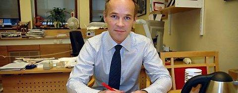 Høyres Jan Tore Sanner er overrasket over at krefter i Ap nå diskuterer å øke skattene i neste stortingsperiode.