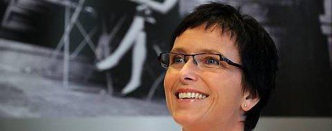 Tilgangen på offentlig informasjon skal ikke være avhnegig av programvare eller operativsystem, sier fornyingsminister Heidi Grande Røys.