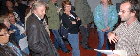 Lasse Thorsen (til høyre) fikk mange nye med seg i aksjonsgruppa for bevaring av friområdet.