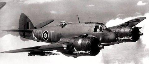BOMBA OGSÅ SVELGEN: Dei engelske nattjagarane Bristol Beaufighter jakta på konvoiar då dei angreip i Gulenfjordane under andre verdskrigen.