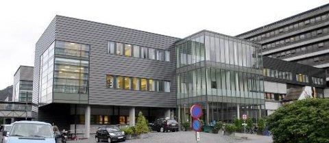 Styret i Helse Førde kjem etter alt å døme til å frede alle avdelingane og pasienttilboda ved Førde sentralsjukehus.