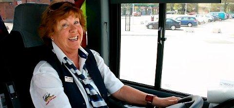 Sammen med sine kolleger i Grenlandsekspressen, kan nå bussjåfør Britt Pedersen tilby sine passasjerer trådløst-internett på alle daglige turer mellom Porsgrunn og Oslo.