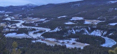 GRØNN JUL: Utsikt over Grimsbu, fotografert ved årsskiftet 2014/2015. Som bildet viser er det mer grønt og brunt enn hvitt. Foto: Turid Oddløkken