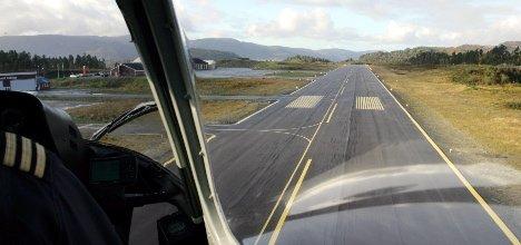 Flyplassen, flystripa på Bringeland sett frå lufta. Foto: Rune Fossum
