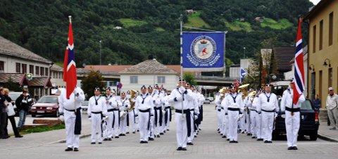 FEST: Veterankorpset til Lillehammer guttemusikk er med å gjøre stas på byjubileumet på Otta.  Foto: Ketil Sandviken